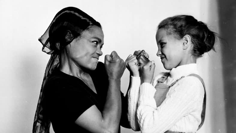 How Nice. Eartha Kitt Teaches Kindness